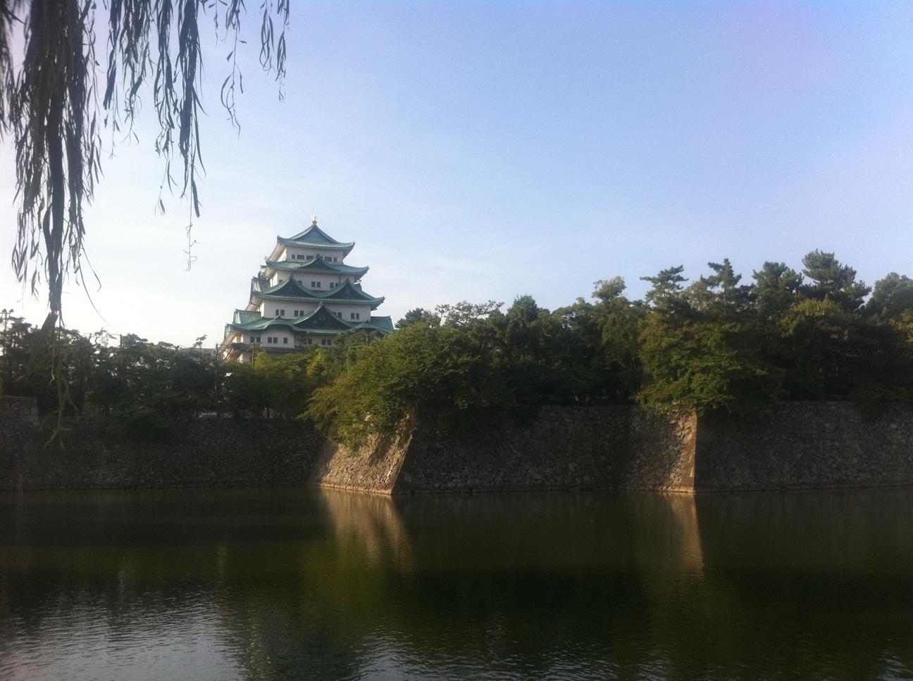 朝の名古屋城